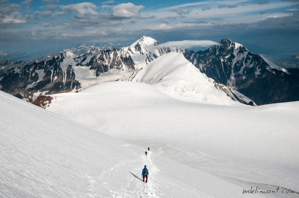 Panoramy kaukaskie przy zejściu