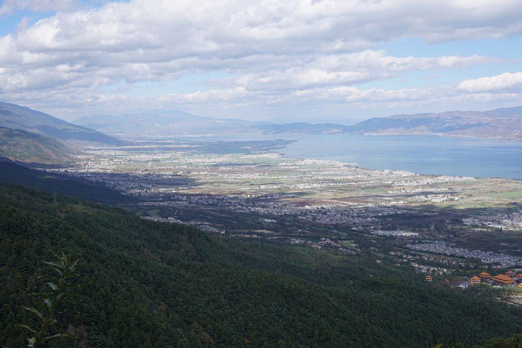 Widok z góry na Dali i okoliczne wioski.